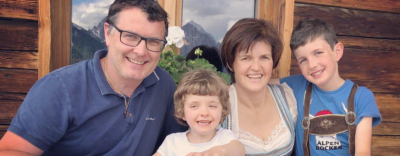 Familie Jud mit Kindern